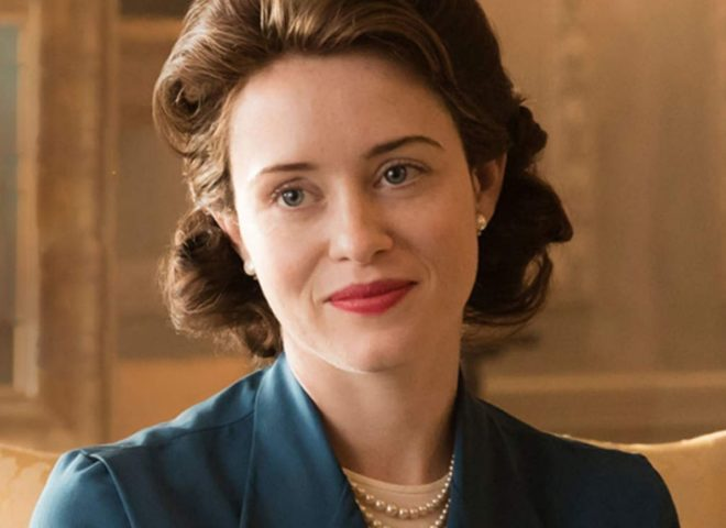 An image of actress Claire Foy playing Queen Elizabeth in the TV show The Crown